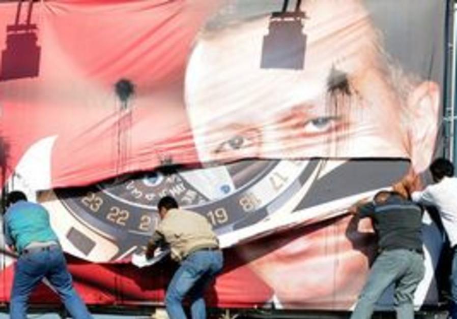 Lebanese Armenians tear up Erdogan poster