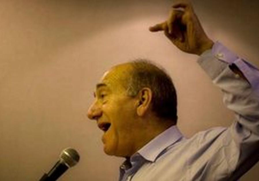 Olmert speaks to foreign journalists in Jerusalem