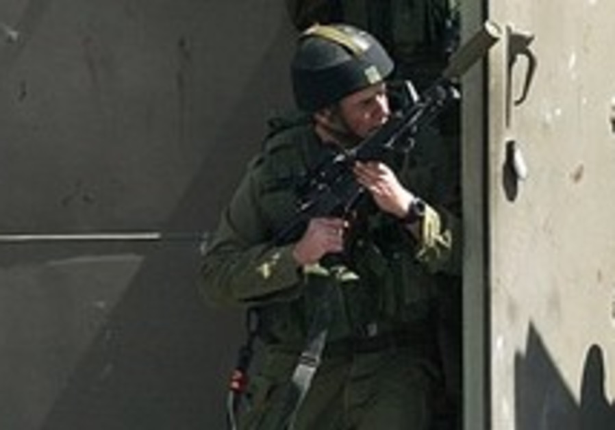 Army raises alert level ahead of Annapolis