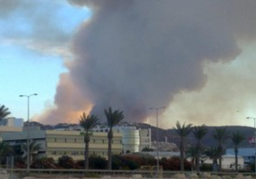 Fire rages in the Carmel, Thursday