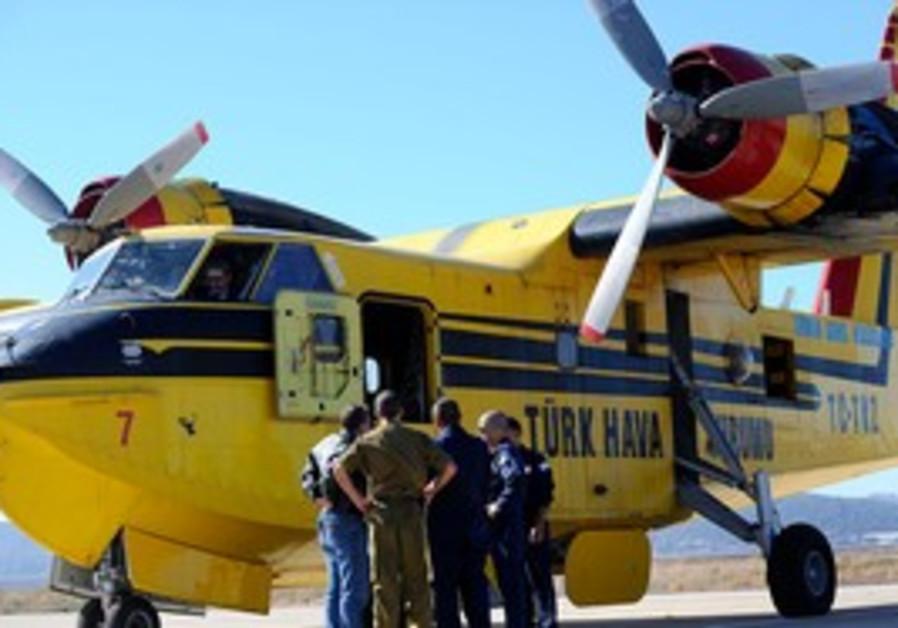 Turkish firefighting plane helps in Carmel fire