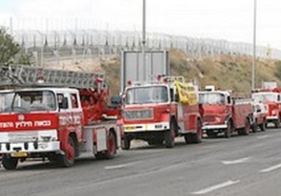 Israel Fire Service fire trucks in convoy