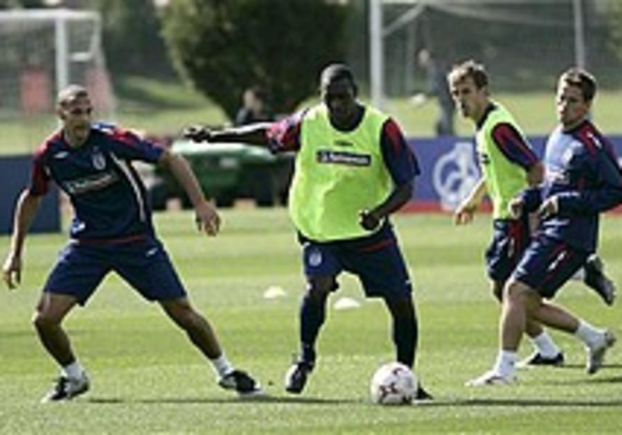 UEFA: Confident Israel begins training in England