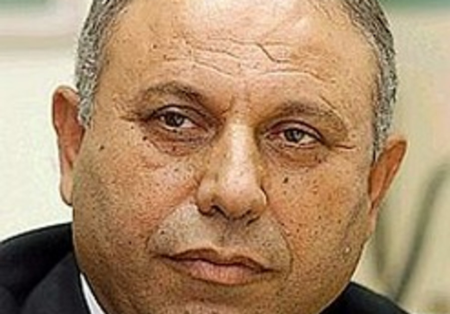 Barak: Peace not a priority for Damascus