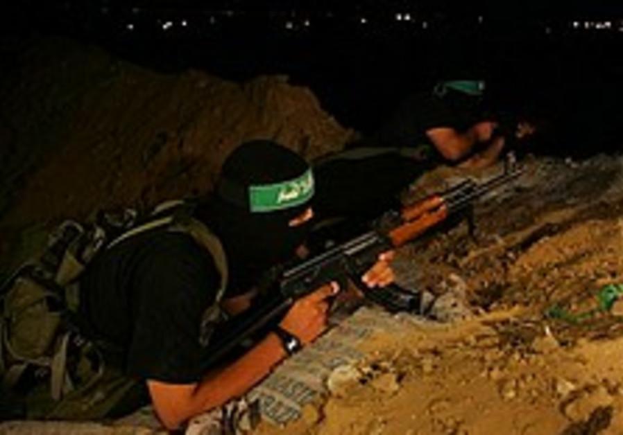 Hamas showcases training exercises