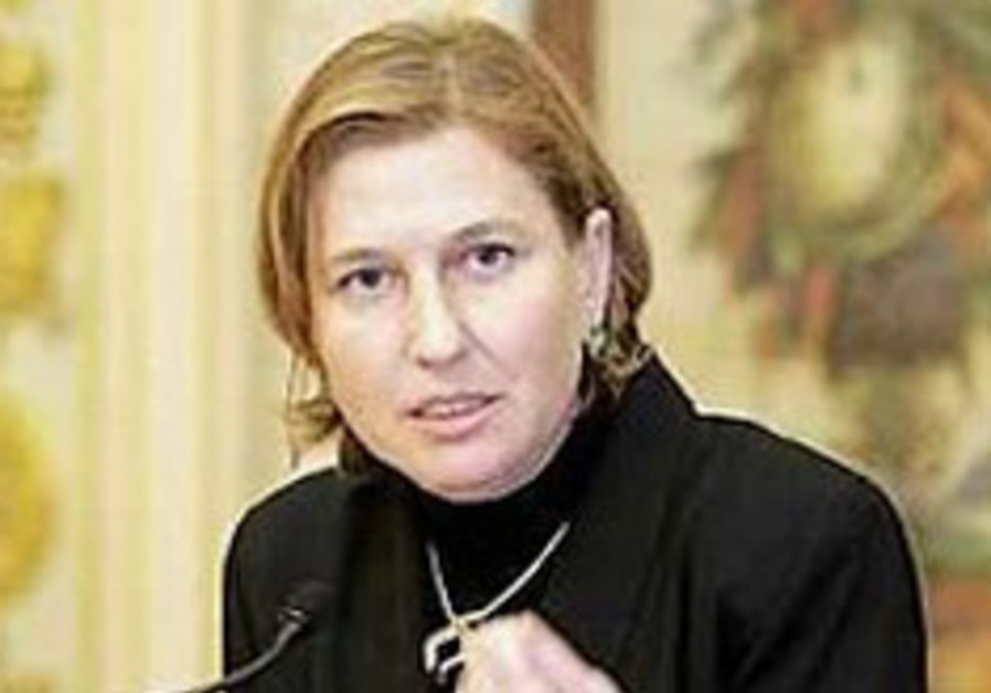Livni to be diplomat and protester at UN