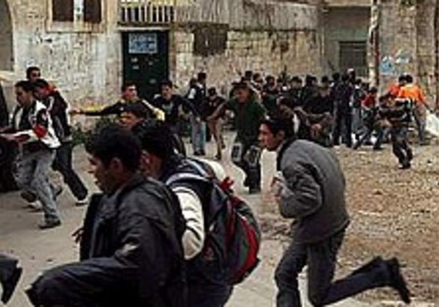Nablus: Soldier killed, 1 hurt in raid