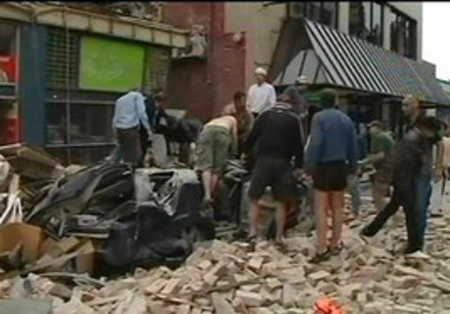 Christchurch quake collapses buildings