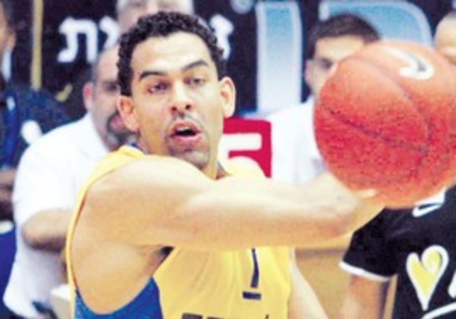 Maccabi Tel Aviv forward David Blu