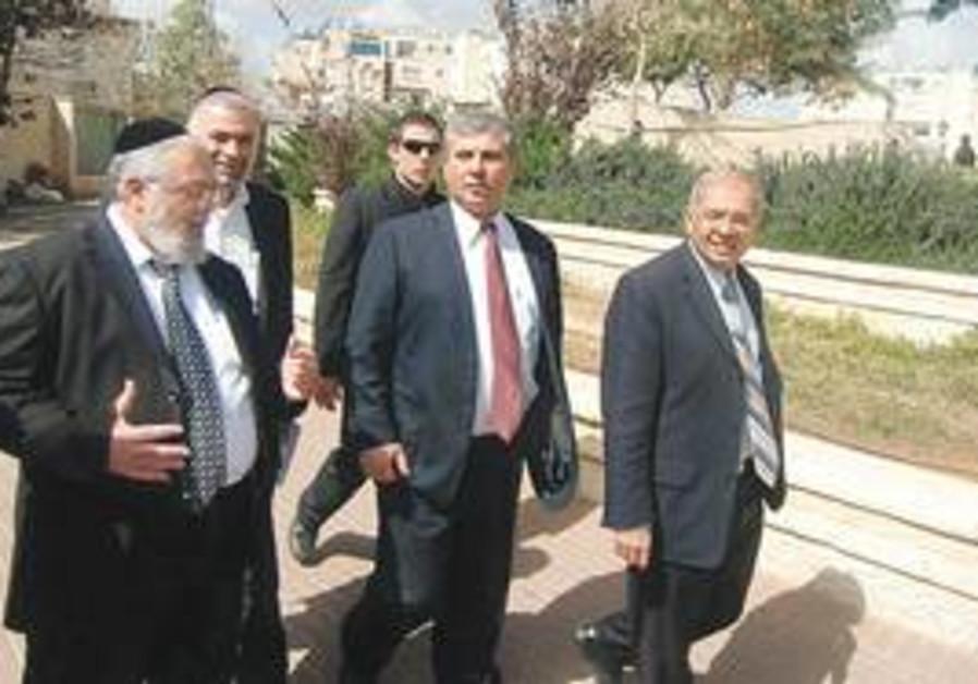 Elad Mayor Yitzhak Idan and Minister Shalom Simhon