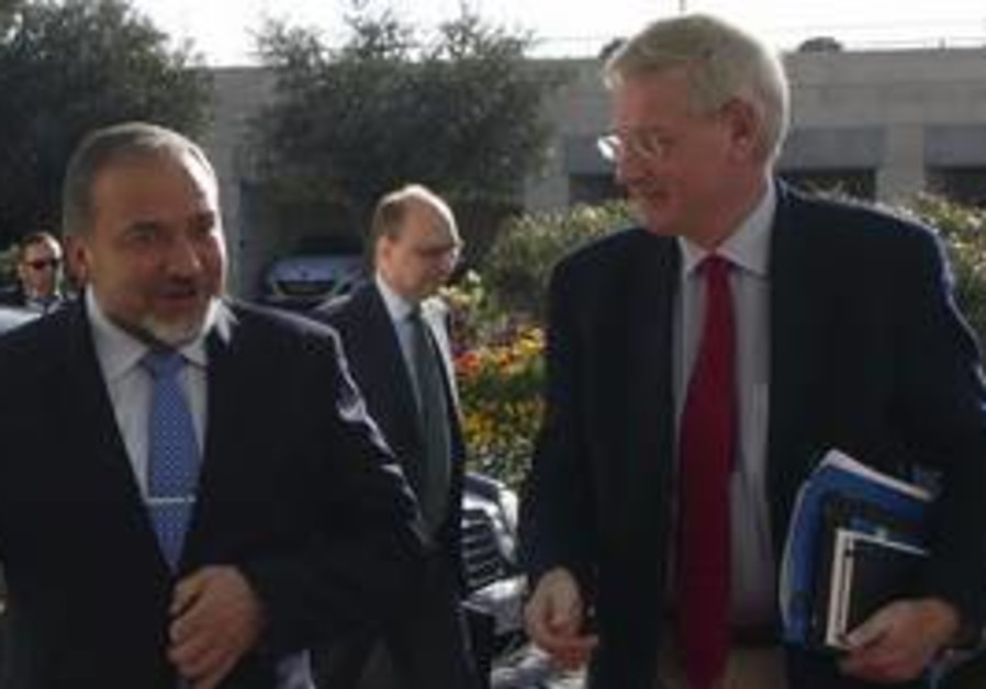 Swedish Foreign Minister Carl Bildt with FM Lieber