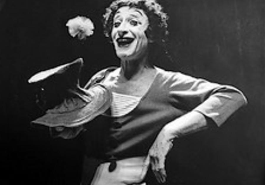 Legendary mime Marcel Marceau dies