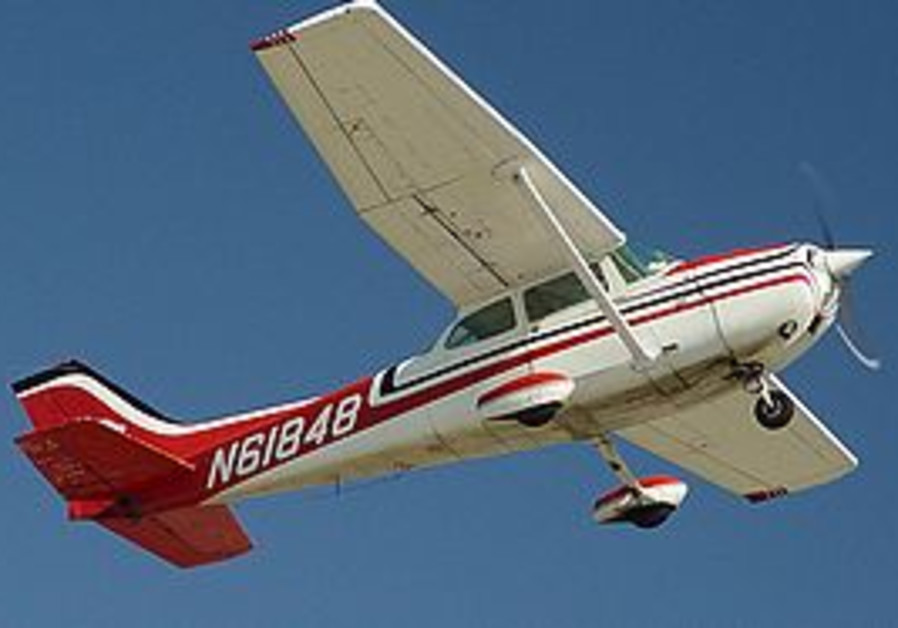 Cessna 172 light aircraft