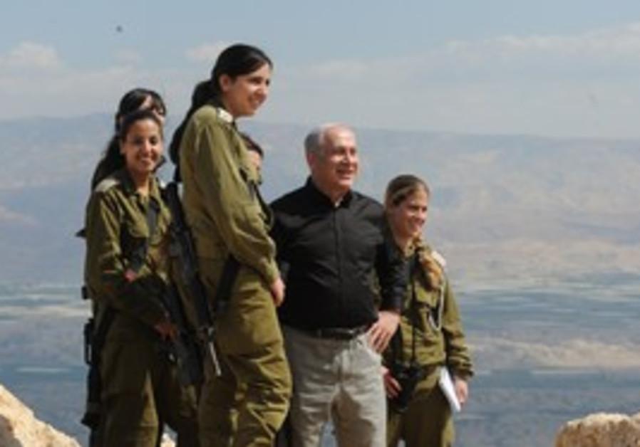 Netanyahu with soldiers near Jordan