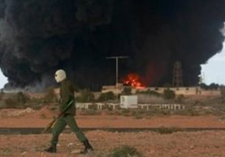 BBC crew says beaten, threatened by Libyan forces - Middle