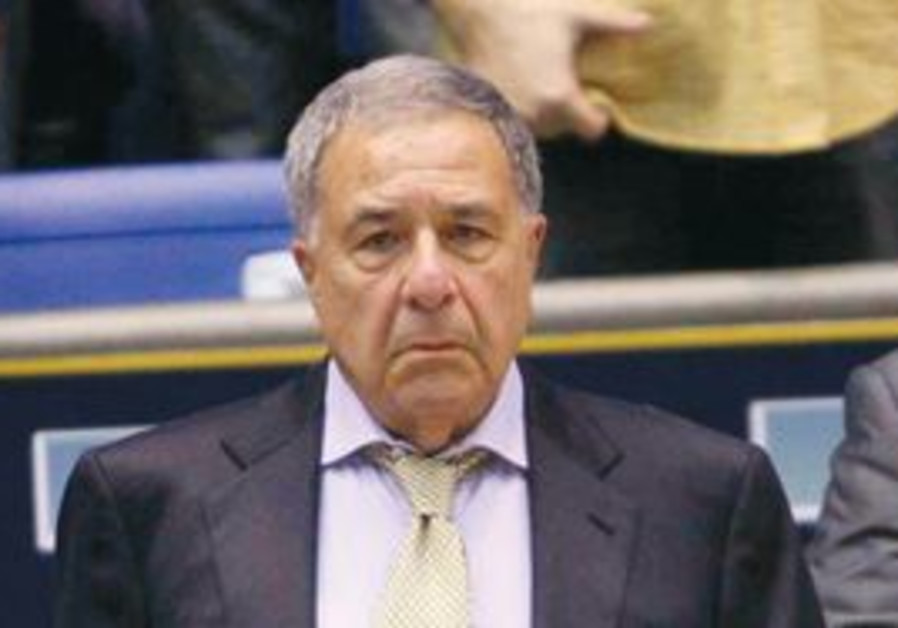 SHIMON MIZRAHI is in his 5th decade with Maccabi