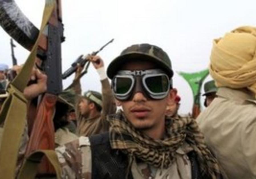 Gaddafi forces pushing towards Benghazi