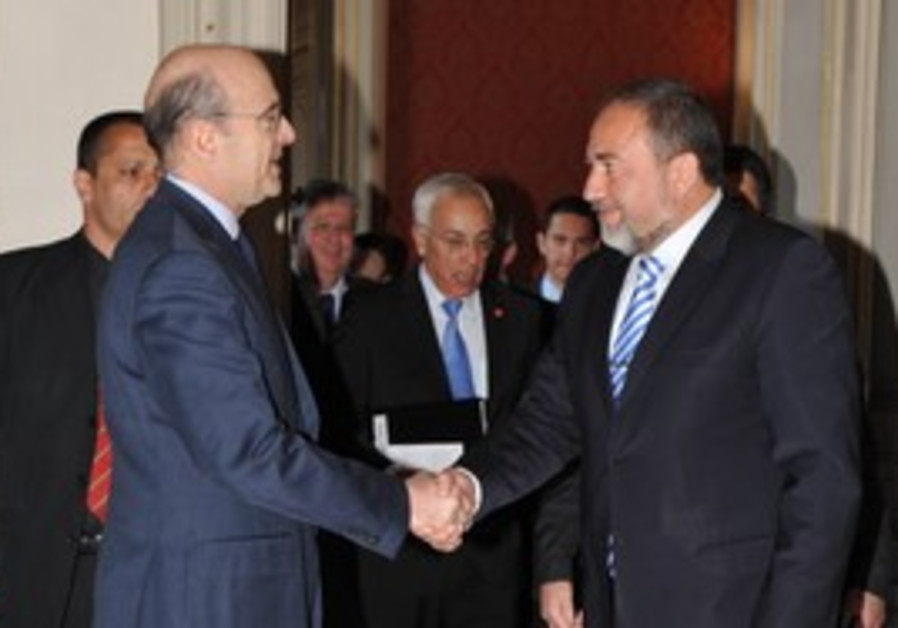 Avigdor Lieberman and Alain Juppe