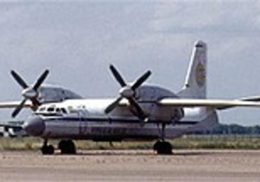 5 dead as cargo plane crashes into crowded Congo market