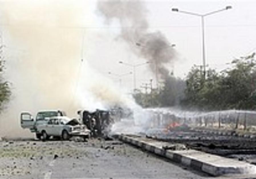 Kabul suicide car bomb kills US soldier, 4 Afghans