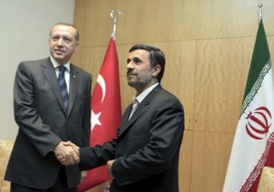 Turkish PM Erdogan with Iranian Ahmadinejad