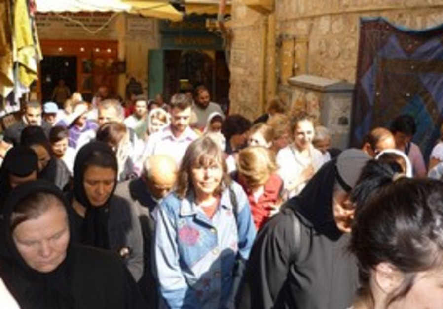 Christians gather in Jerusalem to celebrate Easter