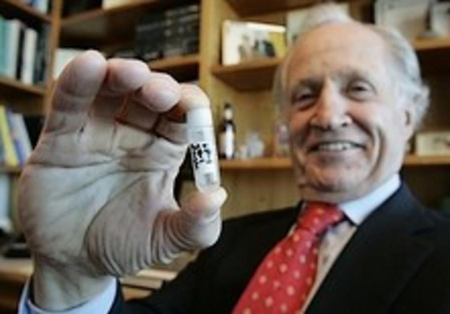 3 scientists win Nobel Prize in medicine for gene study