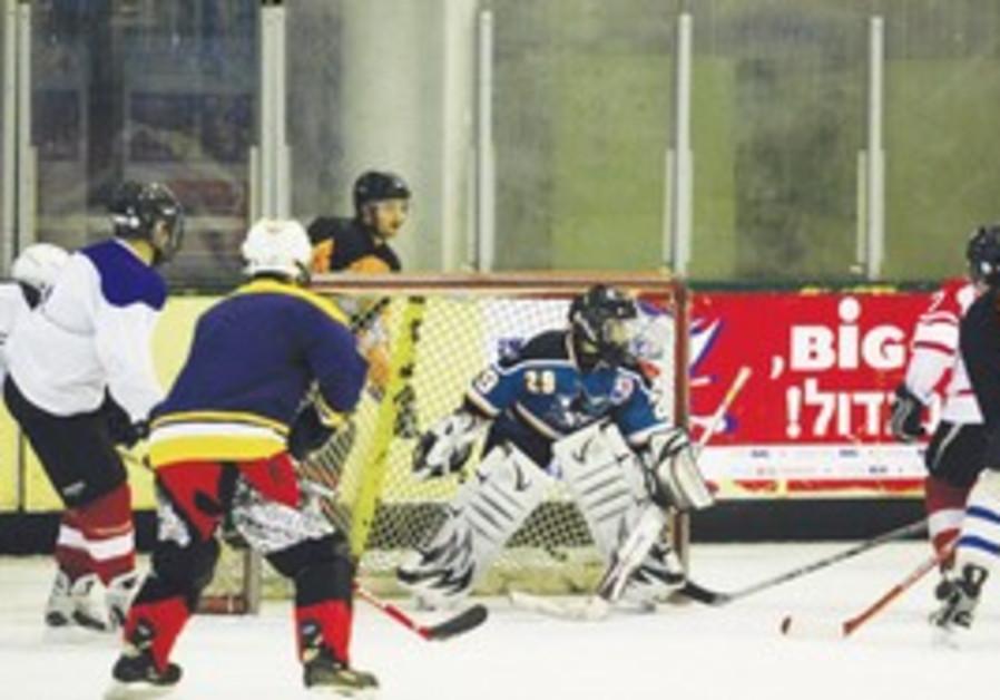 CENTRAL BLUES goalie Yoav Regev