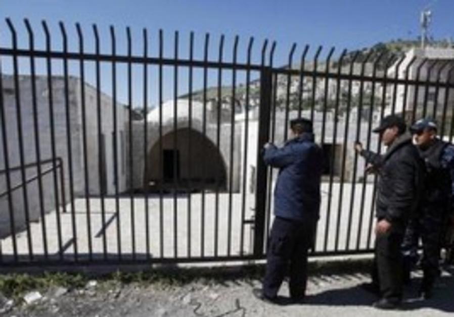 PA police guard Joseph's Tomb in Nablu