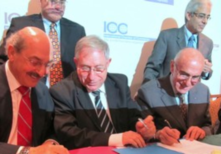 Israel and Palestine Chambers of Commerce heads