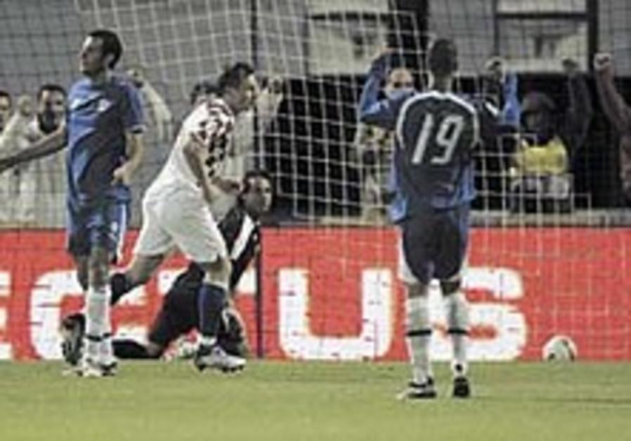 Soccer: Croatia ends Israel's Euro hopes