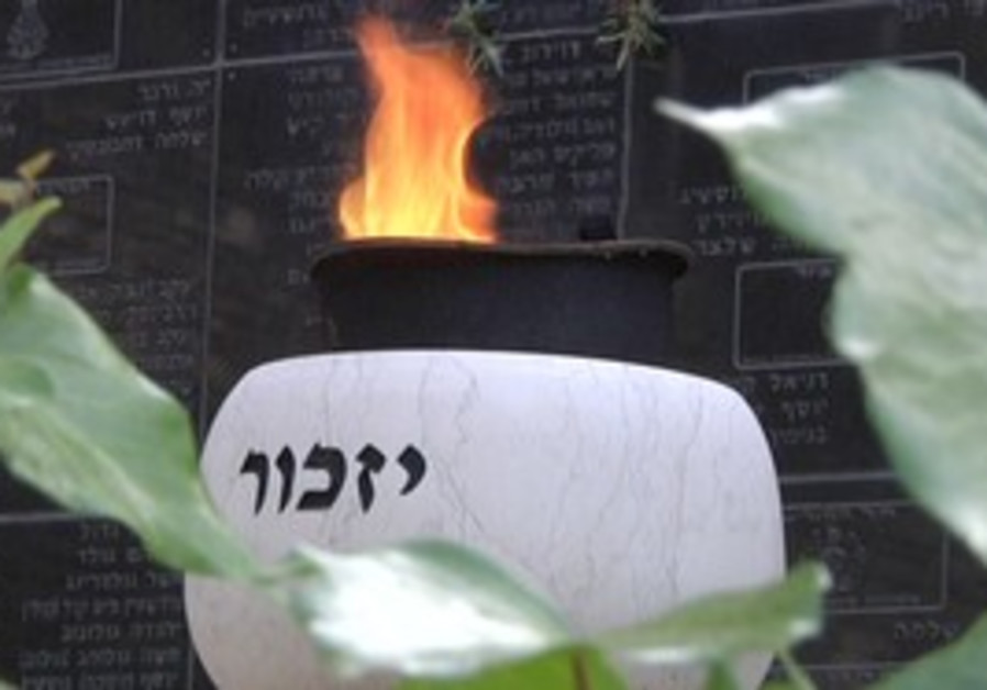 Israel remembers its fallen soldiers at Mt. Herzel