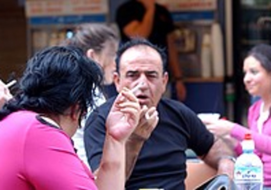 Nonsmokers exposed to tobacco smoke face higher risk of dementia