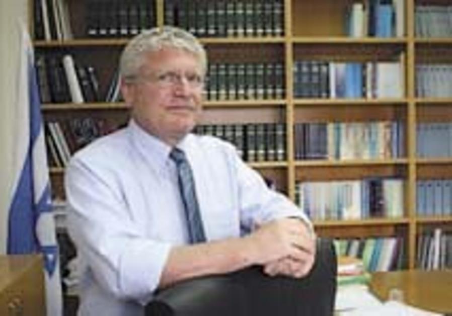 Legal Affairs: 'No, I'm not Mazuz's yes-man'