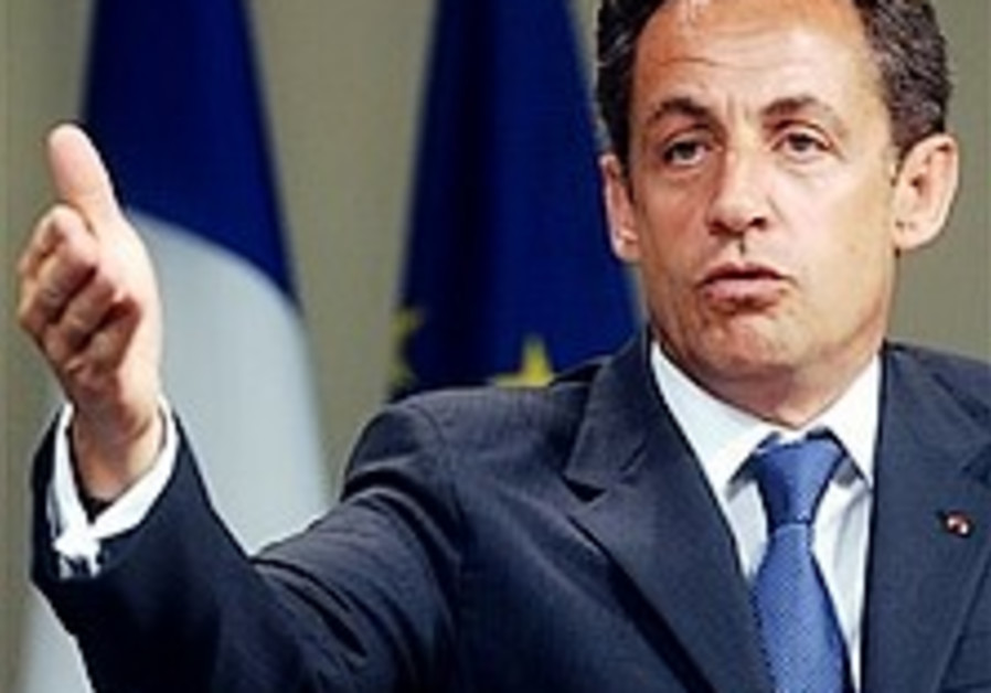 Sarkozy to tell Olmert: Time for peace