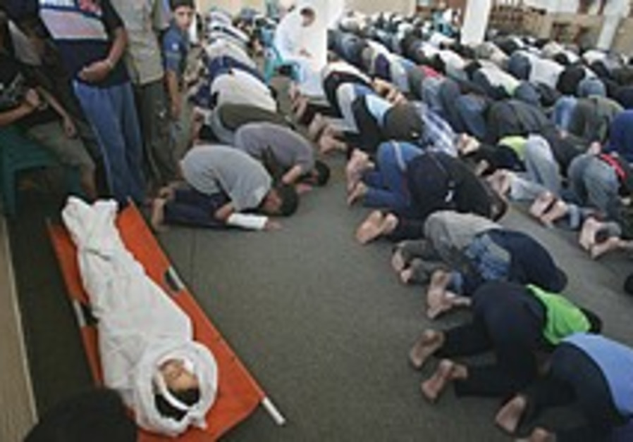 Hamas to Gaza clan: Hand over weapons