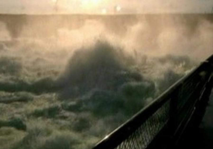 Missouri River swells as it rushes through Dakotas