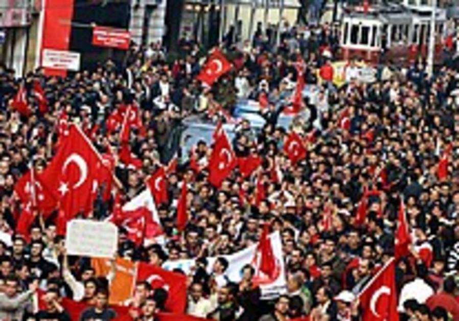 US pressing to stop Turkish incursion into Iraq