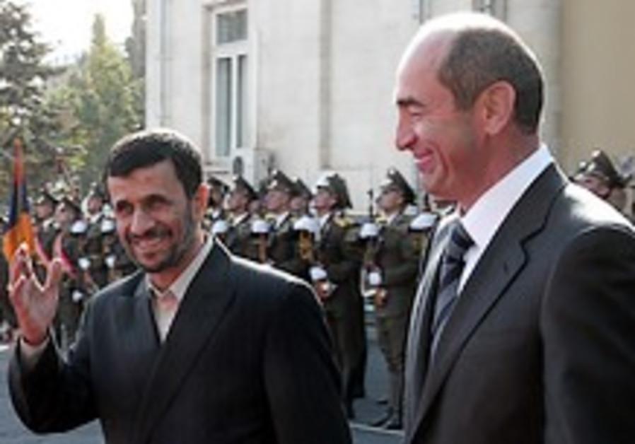 Ahmadinejad cuts Armenia visit short