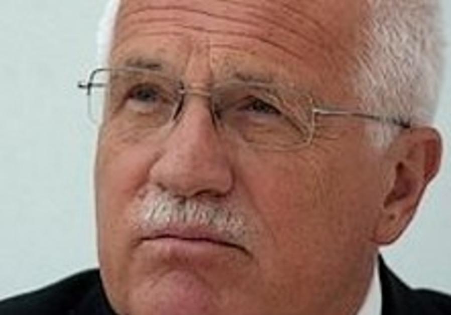 Klaus urges ban on neo-Nazi march in Prague