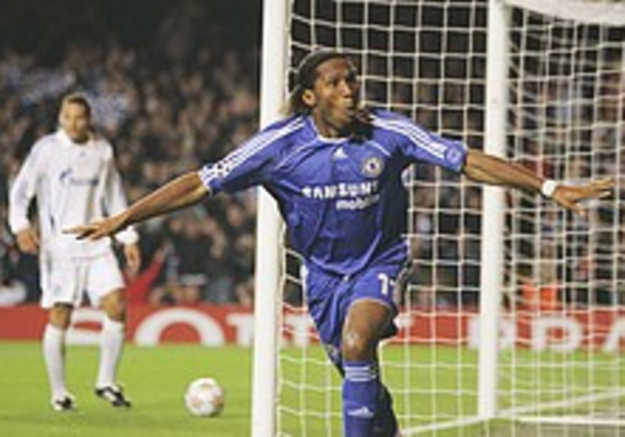 Champions League: Drogba leads Chelsea to 2-0 win