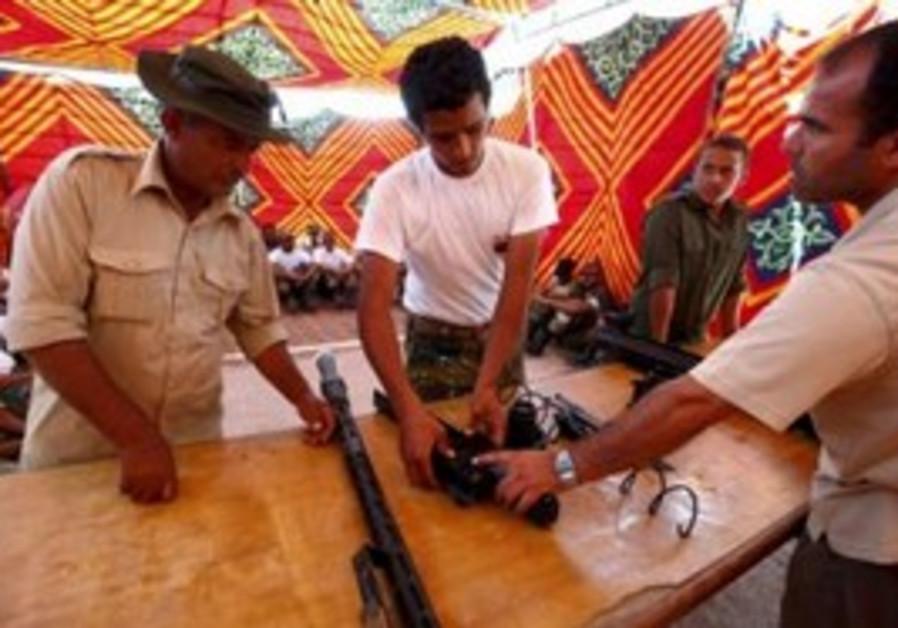 Libyan rebels assemble weapons in Misrata