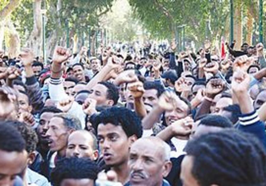 African refugees rally in Tel Aviv