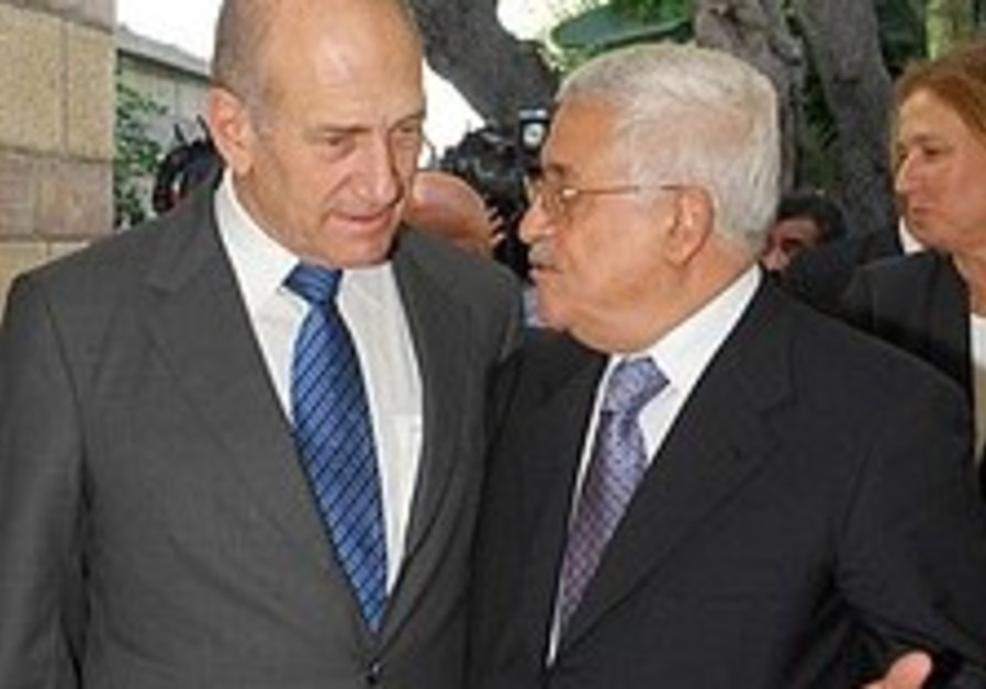 Palestinians ease pre-summit demands