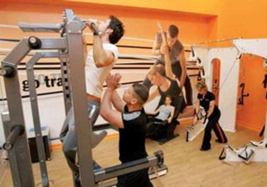 TRAINING IN A GO ACTIVE FITNESS CENTER