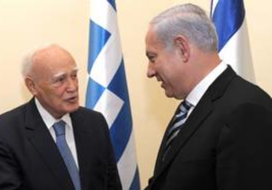 Netanyahu meets with Greek President Papoulias.