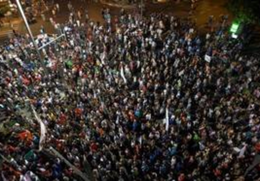 Tel aviv rally against high housing costs