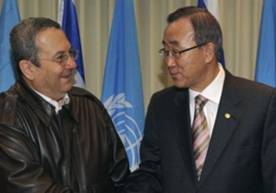 Ehud Barak meets with Ban Ki-moon.