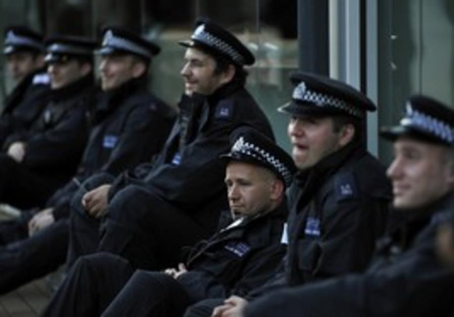 London police, cops