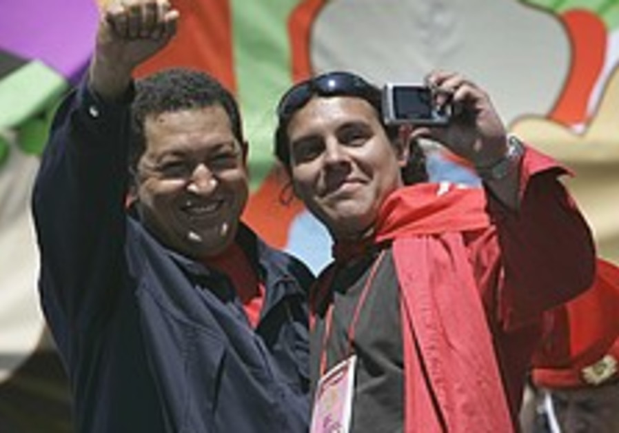 Venezuelans march to back Chavez reforms